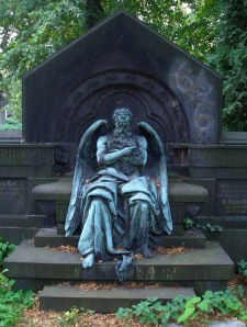 Chronos sitting on a tomb. Image extracted from Google Images.