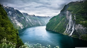 norway_fjord-wallpaper-2880x1620